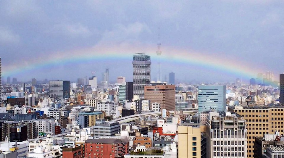 即位の礼と虹
